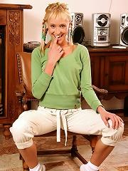 Hanna - Cute blonde teasingly spreads pussy