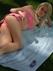 Dream Kelly softcore backyard beauty